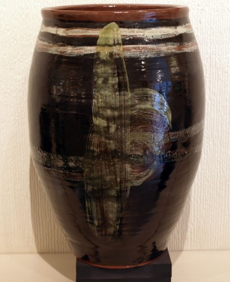 LIZZY-WOOD---LARGE-BLACKWARE-VASE-10-x-7-£150